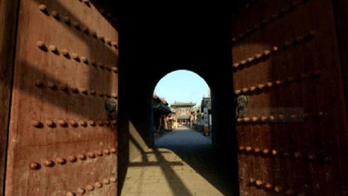 为什么古代城门都是往里开?往外开,敌人不是更不容易撞开吗?看完涨知识了
