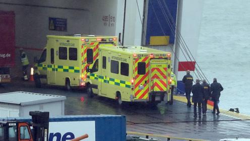 又一起!法国开往爱尔兰渡轮上发现16名移民:藏身密封拖车
