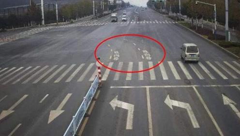 """""""左转虚线""""和""""待转区""""要分清,交警:新手注意,错了扣6分!"""