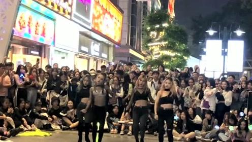 最有魅力的女子团队在闹市区跳《鳌拜鳌拜》,网友:不要太酷了!