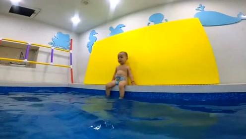 进步啦!原来11秒时间游过去,现在7秒游过去了!