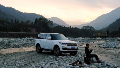 想要一场豪华脱俗的山野之旅,只有这台SUV才能给你!