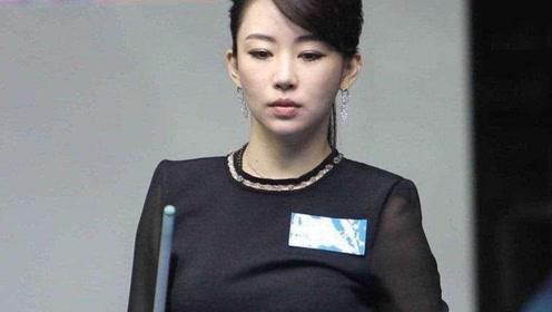 37岁潘晓婷打台球,注意她的姿势,专业和美并存!