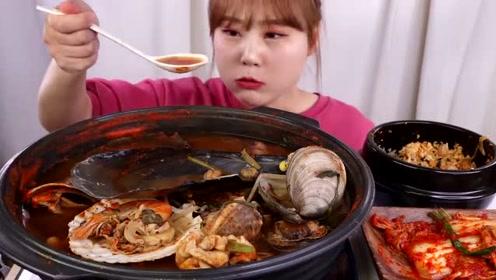 随心吃美食:吃美味香辣海鲜煲