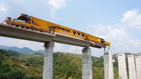 """中国的""""造桥神器""""太牛了,网友直言,这一幕是真的没见过!"""