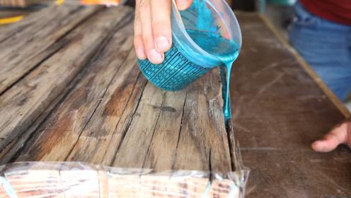 几近裂开的破旧木板还能有啥用?老外利用超牛操作制成工艺木桌,成品太惊艳