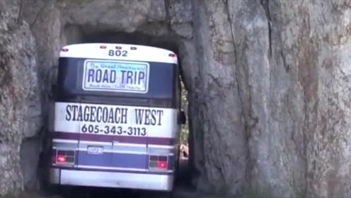 30年的老司机表示,没见过这样的峭壁隧道!真是技高人胆大!