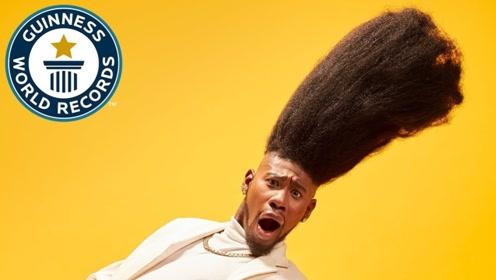 审美还真是难界定,外国男子扫把发型高达52cm,获得吉尼斯世界纪录