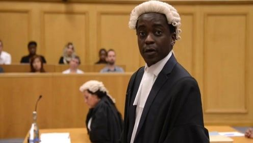 为何英国的律师要戴假发?是为了遮丑吗?答案没那么简单