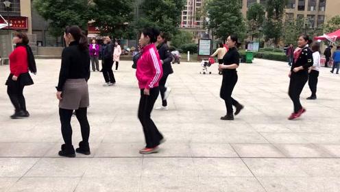 经典懒人散步舞,饭后跳10分钟,快速瘦身减肥