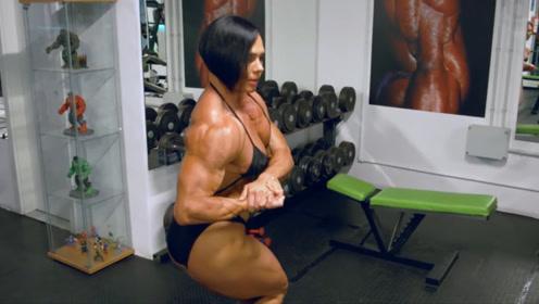 """世界上最""""强壮""""的女人!脱下外套后,一身肌肉让男性都羡慕!"""