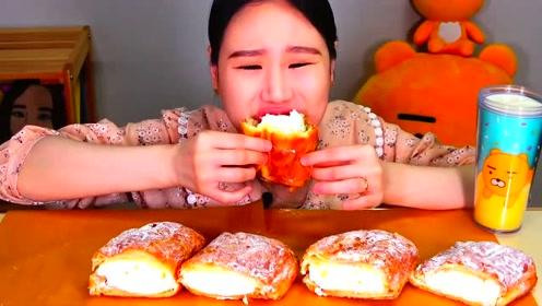 韩国大胃王卡妹,试吃老式奶油面包,大口大口吃的好过瘾