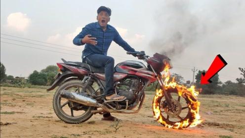 印度小伙改装摩托车,一脚油门下去,好戏才是真正的开始