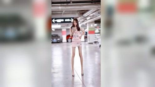 地下停车场遇到的苗条小姐姐,这舞姿也太撩了!
