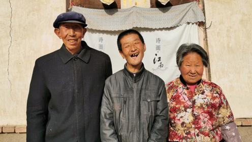 72岁老夫妻照顾智障儿子46年,担心死后儿子无人照料