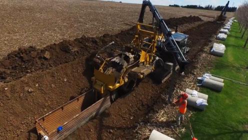 挖沟埋地下管道,全部机械化施工,相比人力要轻松太多了