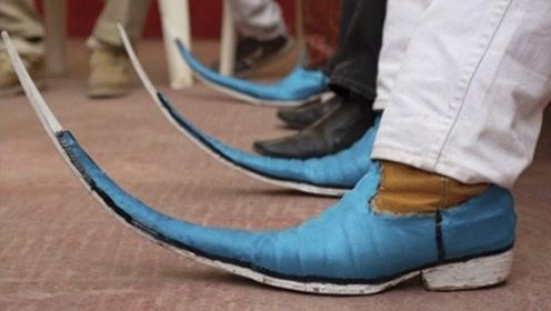"""世界上最长的""""皮鞋"""",穿上后是啥体验?网友:鸭子都比你快!"""