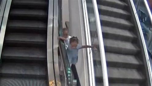 3岁男童扶梯旁玩耍被卡 被带到6米高空后坠落身亡