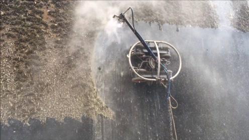 万吨巨轮如何清洗?你永远想不到,它竟然是用这个除锈的!