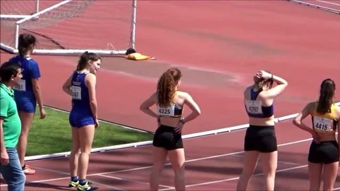 初中女生的百米跨栏比赛,第一名的妹子冠军是捡来的