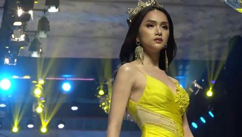 气质的淡黄色礼裙,宛如芙蓉出水般明艳清新,魅力全场!