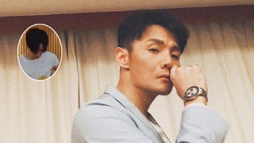 李荣浩弹吉他帅气有型 调侃称是在cos李汶翰?