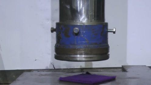 """500吨液压机有多强悍?老外用湿毛巾实验,效果堪比""""烘干机""""!"""