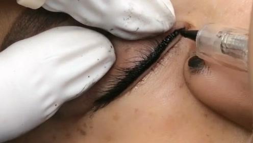 美瞳线超简单三部曲,学会就是赚到,眼睛更有气质