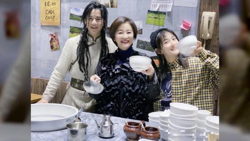 林青霞与张杰谢娜三人罕见同框,65岁的东方不败,依然风韵犹存