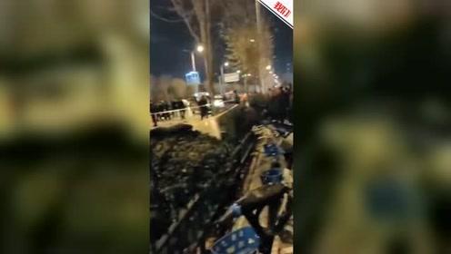 山东济宁男子街头持刀行凶路人劝阻也遭捅 致2死1伤