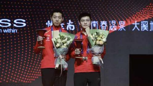 时隔八年!樊振东许昕获总决赛男双冠军,上一对是马琳张继科