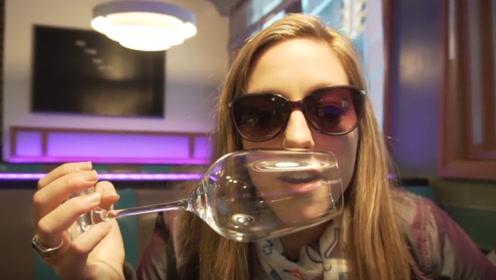 为什么不能对高脚杯飙高音?国外美女亲测,看杯子的变化就知道了