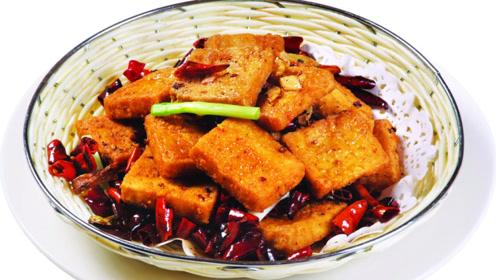 我家最近豆腐都这么吃,比麻婆豆腐简单省事,老公吃过直呼太过瘾