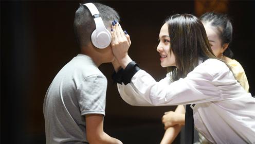 """面对""""无药可治""""的自闭症孩子 张韶涵:我不想用同情的眼光看他们"""
