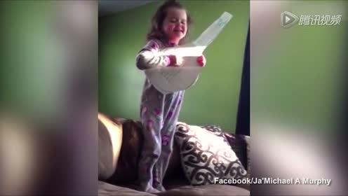 神演技 美国六岁姑娘弹纸吉他演唱阿黛尔《Hello》