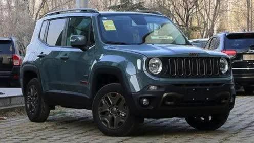 购买自由侠 Jeep资深玩家现身挑车