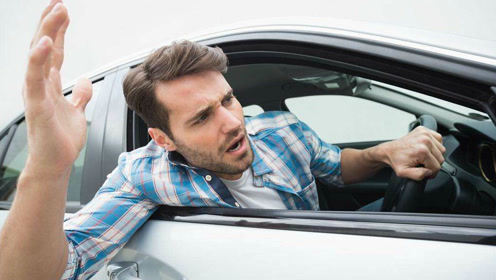 当超车遇上路怒症,且看外国帅哥展身手