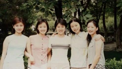 """陆毅""""老婆""""晒大学老照片出现胡可 评论区被胡可的颜值刷频了"""