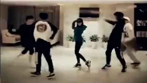 TFBOYS和薛之谦李小璐一起跳《Seve》鬼步舞,好帅啊!