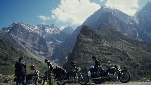 翻车爆胎 三个上海男人用摩托车征服最危险公路