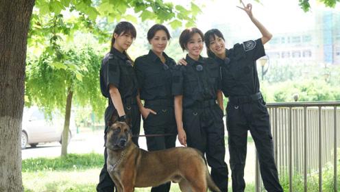 刘嘉玲与刘晓庆罕见合影,相差10岁的两大翡翠女神同框了