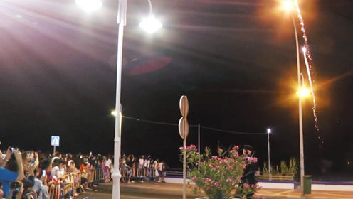 西班牙圣胡安之夜:相约共度仲夏午夜漫天星空烟火通明
