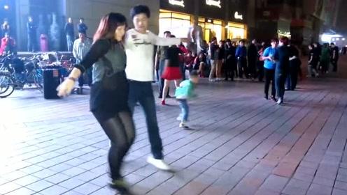 广场舞《水兵舞》