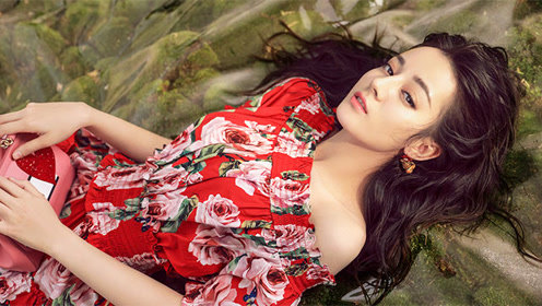 迪丽热巴也穿的碎花裙 让这个夏天炫出彩