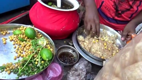 奇葩的印度小吃,开吃前给你分个小碗,看看究竟是如何吃的