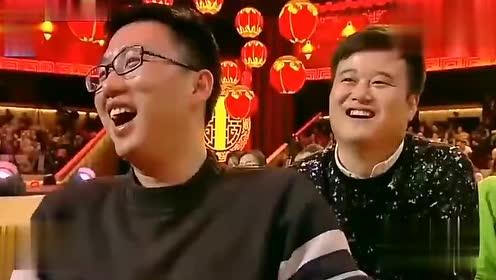 宋小宝小舅子借钱换大车,他说,就他那孙出那么小的个还开大车。