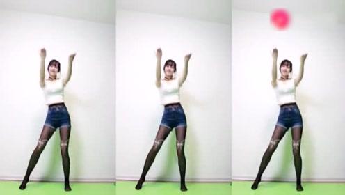 性感美女献跳青春活力的广场舞 真好看