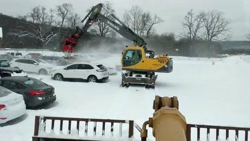 长见识!国外汽车除雪新方式