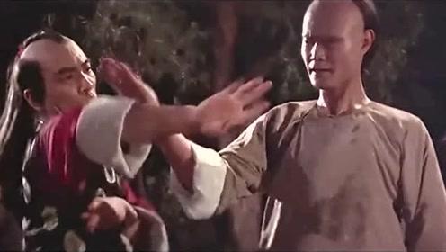 """""""林正英战败家乡""""大师招来,好戏不容错过,袁彪叫。"""