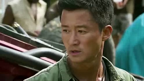 战狼2:吴京举枪阻止,但卢靖姗却阻止了他!